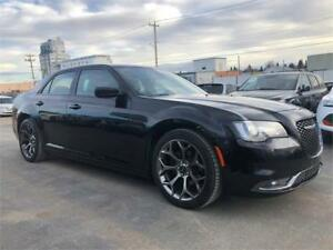 2016 Chrysler 300 300S -FULLY LOADED/BEATS SOUND SYSTEM/LOW KMS+