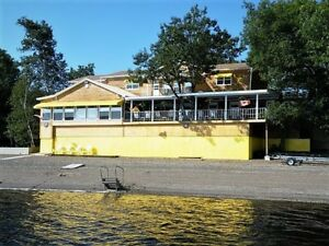 2766 Route 690 Sunnyside Beach - WATERFRONT year round COTTAGE