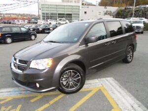 2017 Dodge GRAND CARAVAN SXT Premium Plus (ONLY 12800 KMS, NAVIG