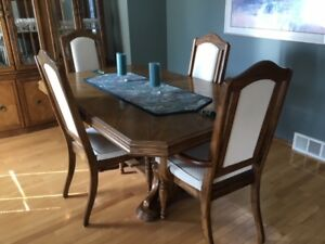 Access  Brothers Furniture Inc. - Solid Oak Dining Room Set