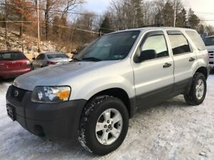 2006 Ford Escape XLT 3.0L V6 4WD ((moving sale))