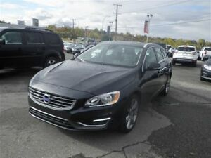 2015 Volvo V60 Leather | Backup Camera | Sunroof | Push Start