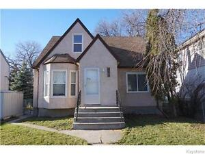 Immaculate 2 level 3 bed unit in St. Boniface Duplex