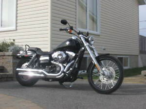 condition  A 1 harley davidson dyna wide glide 2012 et 16750 km