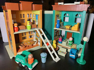 Vintage Fisher Price Little People Sesame Street Family Playset #938