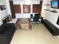 Beautiful Large Kingsize by ZONE 1. Aldgate. Approx 10 minutes WALK to the City. Bills inc FREE WiFi