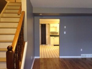 Lovely  3 Bedroom Townhouse Unit at Wonderland and Sarnia