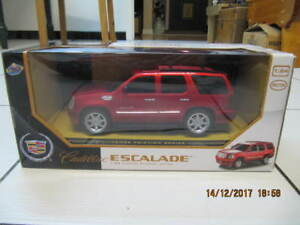 GM Licensed Cadillac Escalade 1:24 Scale Friction Series New!!!