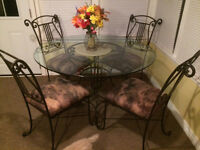Bombay Co. Dining Table w 4 Chairs