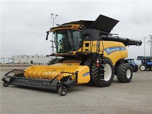 2015 New Holland CR8.90 Demo Combine -517hp,197H 24 mos int free