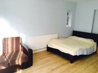 All Bills Included & Available Now Modern Studio Flat located in Osterley close to the Station