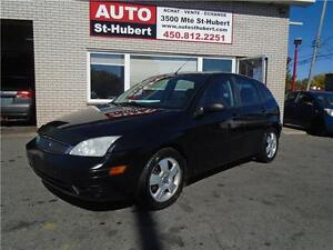 FORD FOCUS ZX3 SES 2005 ** CUIR - TOIT - MAGS **