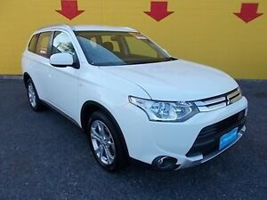 2015 Mitsubishi Outlander ZJ MY14.5 ES 4WD White 6 Speed Constant Variable Wagon Winnellie Darwin City Preview