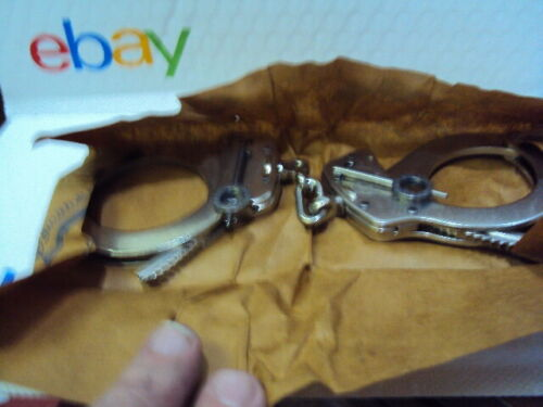 Smith & Wesson 350132 Model 1 Universal Oversize Handcuff Nickel Silver FREE S&H