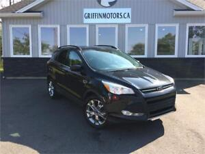 2014 Ford Escape SE  LOADED  JUST OFF LEASE