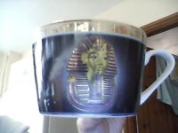 6 piece Egyptian cup and sourcer set