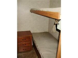 **$115 b/w (oac)** 4919 lbs, TRIPLE BUNKS, SLIDE, EXT KITCHEN! Edmonton Edmonton Area image 18