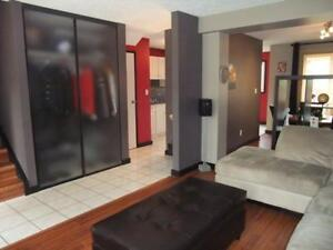 Gorgeous 3-bdr townhouse in North east (Clareview)