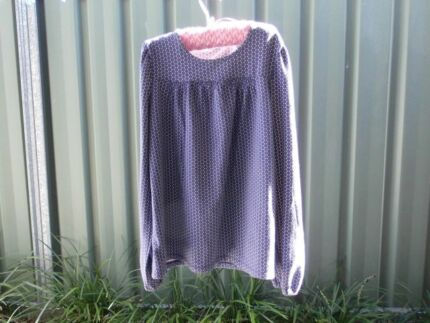 """GIRLS COTTON & SPANDEX """"COUNTRY ROAD"""" TOP- FRONT YOKE- SIZE 8 Mudgee Mudgee Area Preview"""