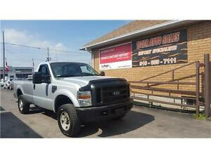 2008 Ford Super Duty F-250 SRW XL ****4WD*** LOW KM***