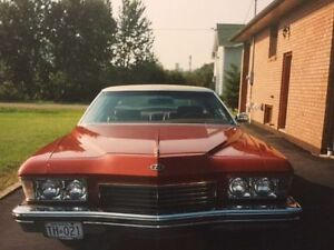CLASSICALLY RETRO 1973 BUICK RIVIERA 2 DOOR HARDTOP COUPE