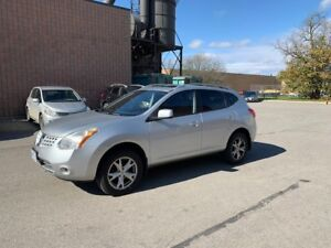 Nissan Rogue Silver 2008 - 154,200 km for sale as is condition