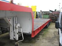 King TS35/3 Tri-Axle Semi Low Loader, Steel Suspension, Rear Power Steering