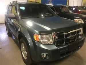 2010 Ford Escape XLT * SUNROOF * LEATHER * ALLOYS
