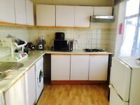 All Bills Included Lovely Double room in a House Share/Close to Hounslow West station & Shops