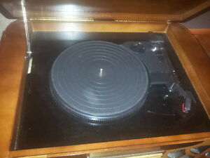 Spirit of St. Louis Two Tone Turntable CD Player Peterborough Peterborough Area image 3