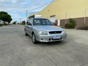 2000 Hyundai Accent LC GL Silver 5 Speed Manual Sedan Newport Hobsons Bay Area Preview