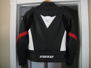 Dainese Leather Jacket Pelle Newsan red white black