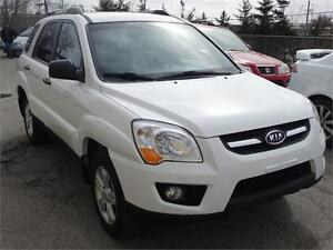 2009 Kia Sportage LX AWD with safety and e-test .