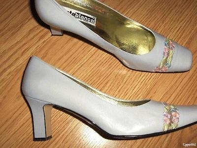 Embroidered Wedding Shoes (COSTA BLANCA lavender leather floral embroidered pumps Wedding shoes 10 M)