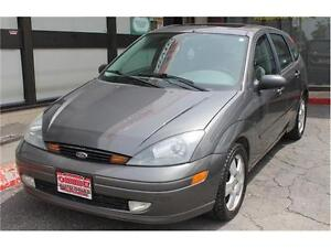 2004 Ford Focus *ZX5 Premium* / LOW KMs  .AUTO.  LEATHER . SUNRO Kitchener / Waterloo Kitchener Area image 2