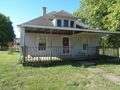 Nice 2 Bed 1 bath 1104sq ft 1 acre Louisville,IL NEWTON LAKE!!!! 1$ NO RESERVE!!