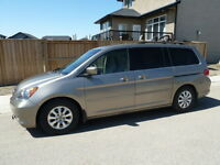 2010 Honda Odyssey EX-L - Leather, Sunroof, Heated Seats