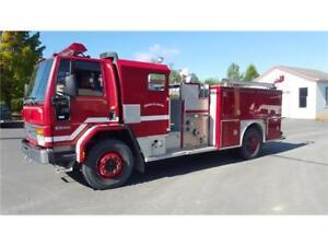 camion pompier trouvez de bonnes affaires sur les voitures v hicules d 39 occasion et neufs et. Black Bedroom Furniture Sets. Home Design Ideas