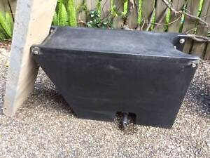 Under tray watertank and under tray toolbox Wooloowin Brisbane North East Preview