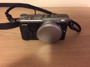Fuji x70 Digital Camera Like New