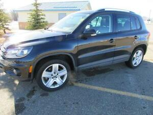 2014 VW Tiguan 2.0T 4Motion **LEATHER-SUNROOF**
