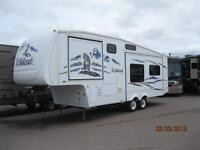 WOW!! Rear Living 5th Wheel with 2 Slides, only 7,760 lbs!!!