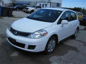 2012 Nissan Versa 1.8 S CLEAN CARPROOF HATCHBACK SPACE A/C