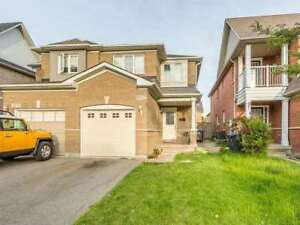 CHURCHILL MEADOWS SEMI DETACHED HOME HIGHLY DEMANDING AREA