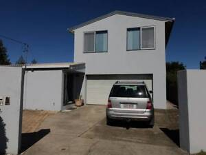half of a house with 3Bir 2 tiolets Tweed Heads Tweed Heads Area Preview