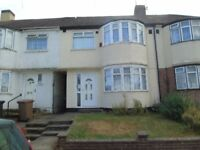 3 Bed house Near the L&D Hospital LU4 0LE £1100