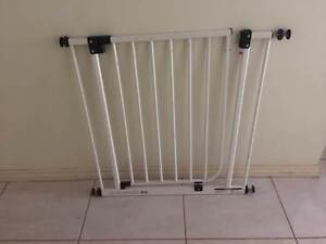 Safety gate Broome Broome City Preview