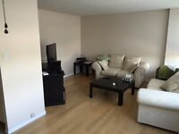 Fanshawe students! Great condo a block away from school!