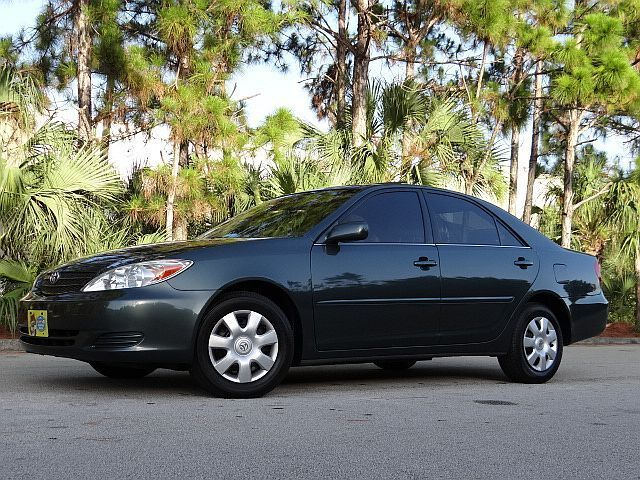 2004 TOYOTA CAMRY LE * NO RESERVE * LOW 54,000 MILES MOONOOF! CARFAX CERTIFIED
