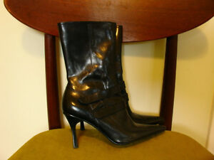 Boots Size 6.5 Nine West brand